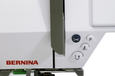 Picture of Bernina 730 thread cutter