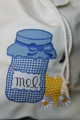 Simple sewing projects for beginning sewers