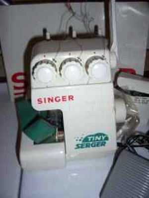Singer Tiny Serger, Singer TS380 serger sewing machine.